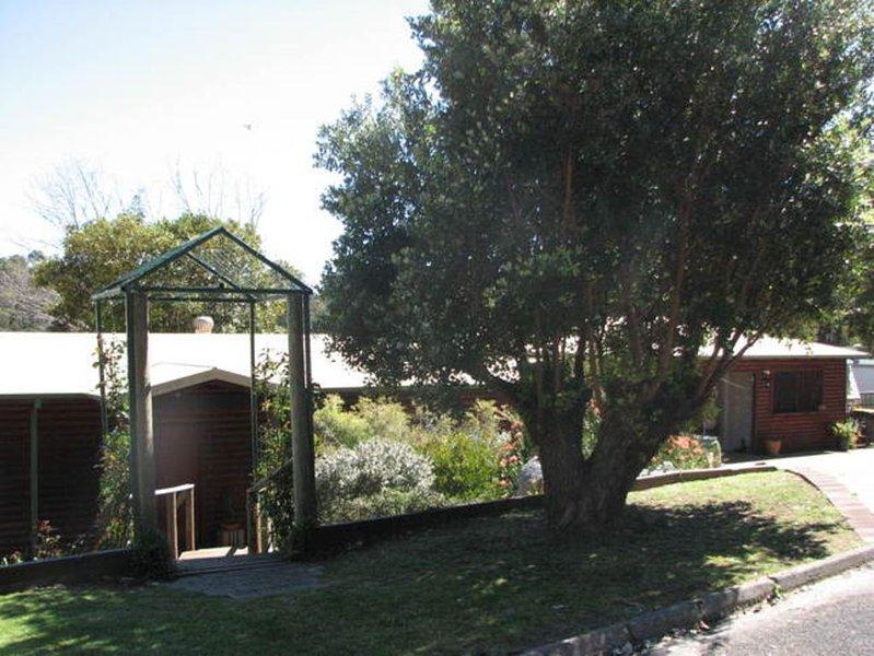 The Log Cabin B&B - Blue Wren Room, holiday rental in Pemberton
