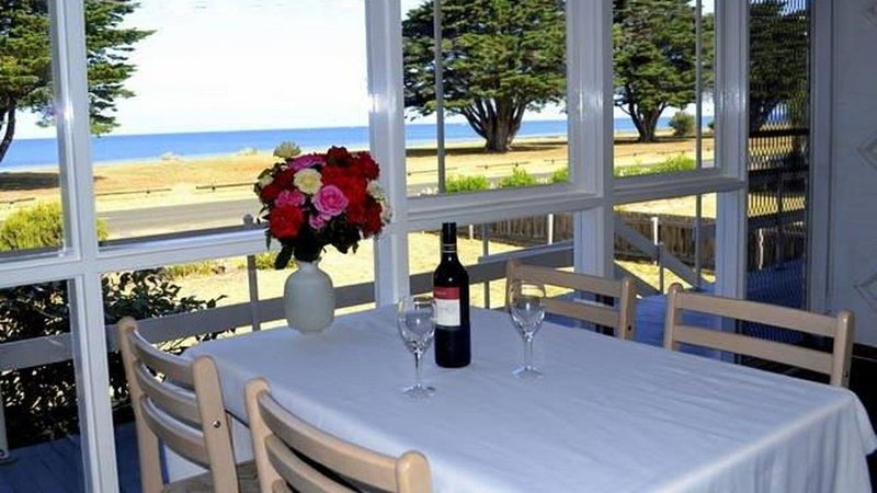 Family friendly majestic waterfront views fishing bike paths nature walks, holiday rental in St Leonards