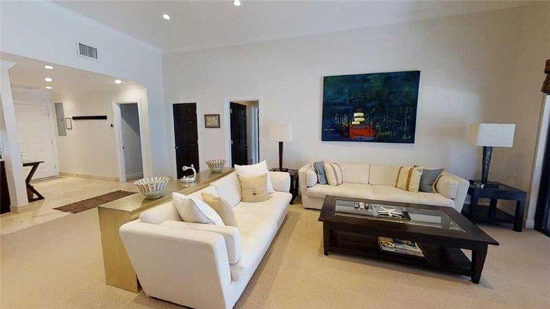 Three Bedroom + Den - 3rd Floor Penthouse, holiday rental in Camana Bay