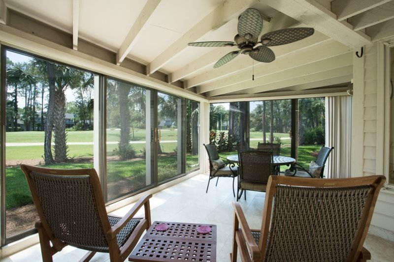 Bright golf course home just steps from the Beach!  New Listing!!  Bright golf c, holiday rental in Ponte Vedra Beach