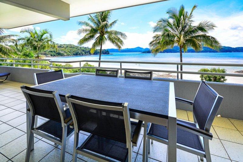 Frangipani 201 - Hamilton Island, holiday rental in Shute Harbour