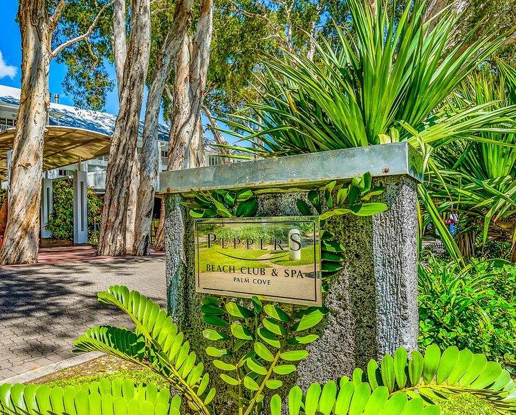 Apt 6233/34 Beach Club Resort Palm Cove 3 bedroom Penthouse Apartment, location de vacances à Cairns Region