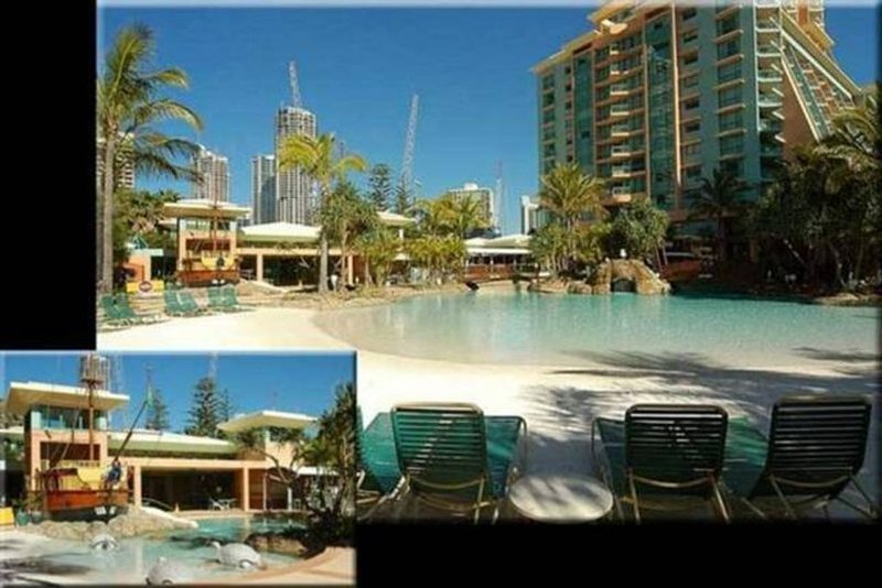 RATED NUMBER 6 IN THE TOP 10 FAMILY RESORTS IN AUSTRALIA.SORRY NO SCHOOLIES, location de vacances à Surfers Paradise