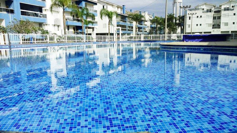 Grande cobertura com piscina privada de frente ao mar, location de vacances à Ingleses