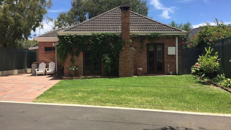 Quindalup Cottage, Dunsborough - Pet Friendly, vakantiewoning in Anniebrook