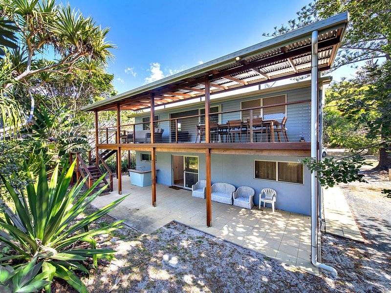 'Shelley Lodge' - hosted by North Coast Lifestyle Properties, holiday rental in The Pocket