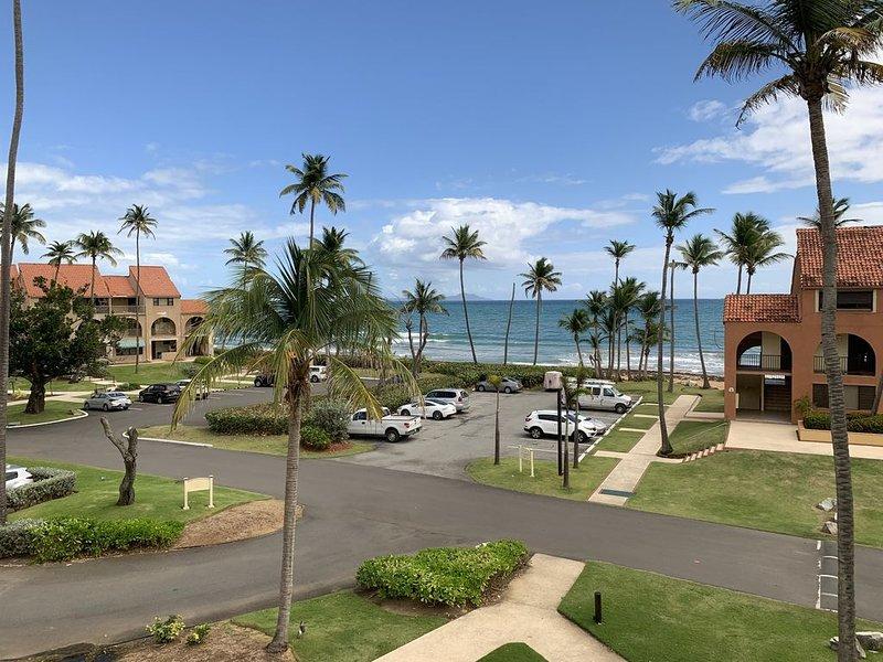 Beautiful Beachfront 4 Bed/ 3 Bath Condo, alquiler de vacaciones en Punta Santiago