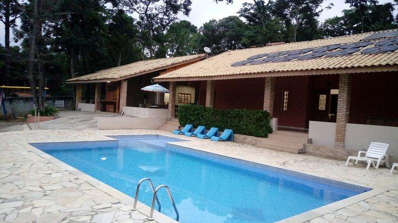 CHÁCARA - ALTO PADRÃO, CIDADE JARINU, PISCINA AQUECIDA,  SOMENTE GRUPO FAMILIAR, location de vacances à Atibaia