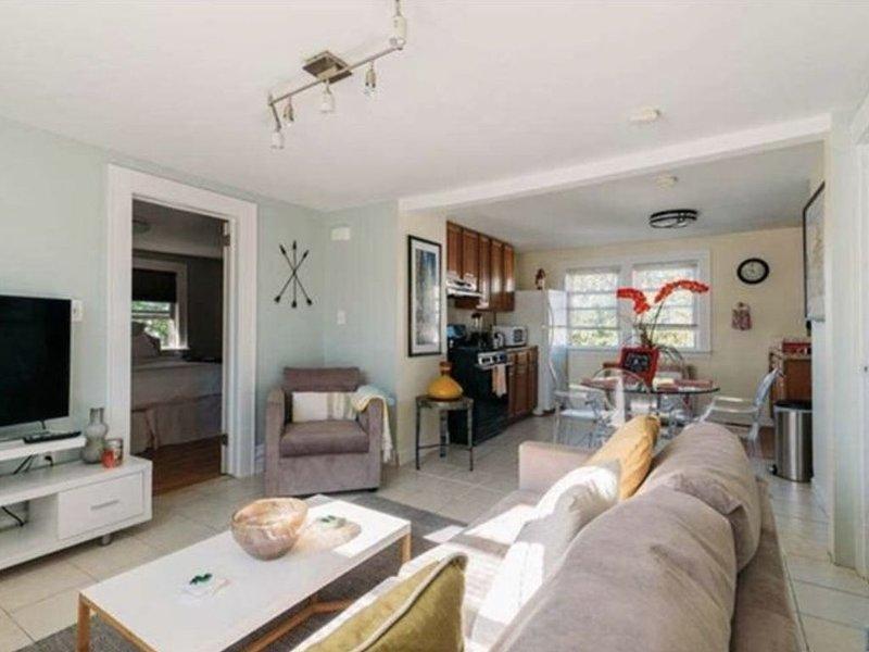 Charming private Bloomfield Gem close to city, hosp. & more, location de vacances à Upper Montclair