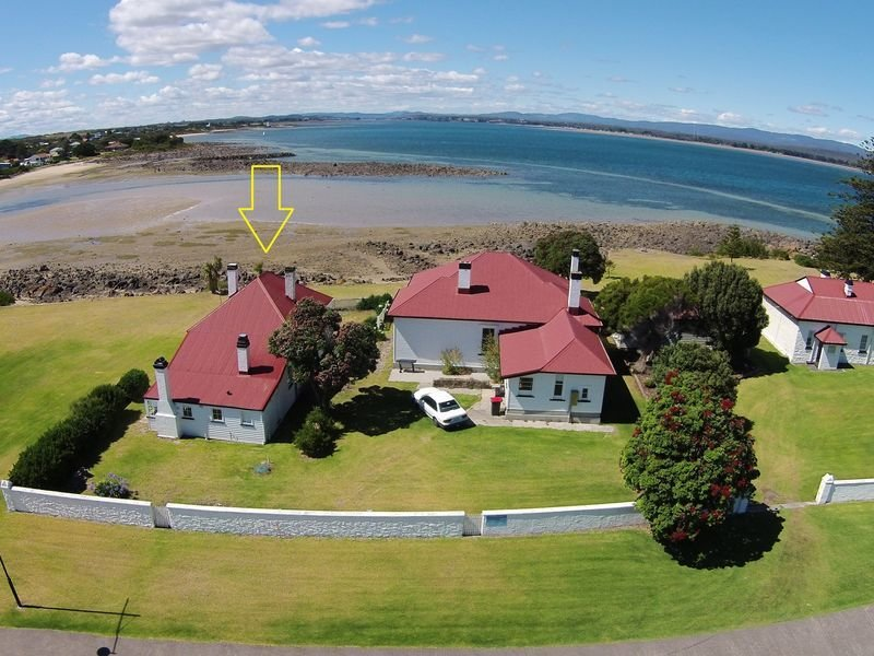 Schoolhouse - within Low Head Pilot Station, holiday rental in Hawley Beach