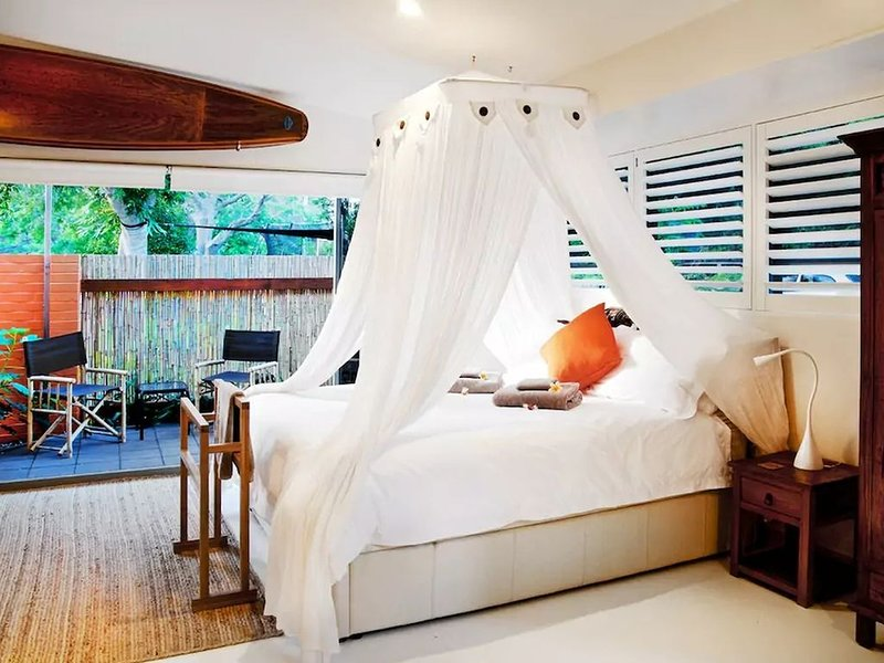 Ketuk Suite - Driftwood VillaYour slice of Bali, vacation rental in Scotts Head
