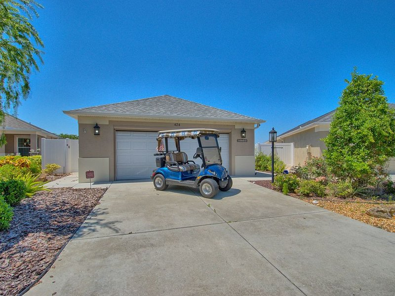 GOLF CART WATER VIEW BEAUTIFUL HOME GREAT LOCATION, Ferienwohnung in The Villages