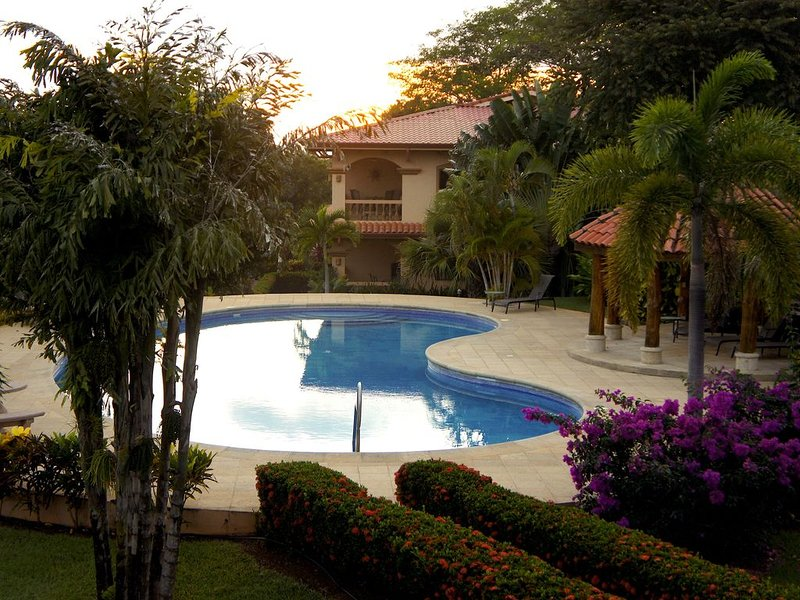 VILLAS VENADO UNIT 3 UPPER FLOOR CONDO, holiday rental in Playa Junquillal