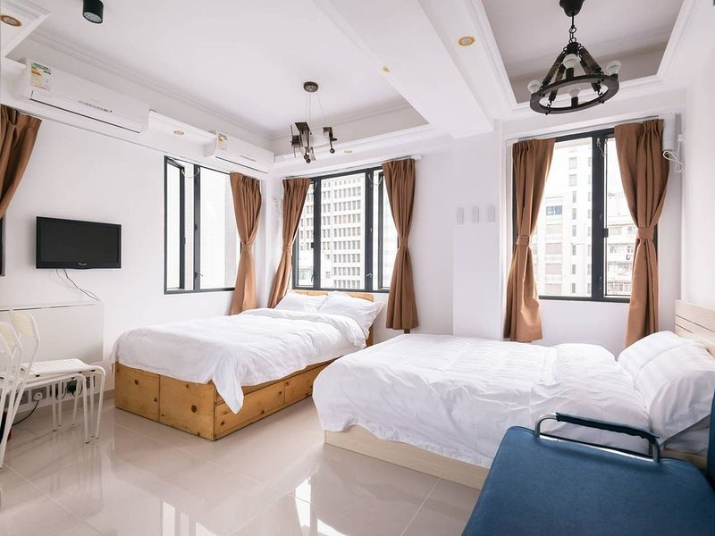 T8B - 8B, 133 Temple St., YMT, holiday rental in Hong Kong