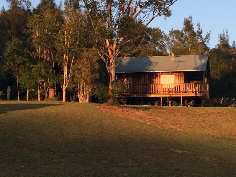 Beautiful River View Cabin, vacation rental in Coopernook