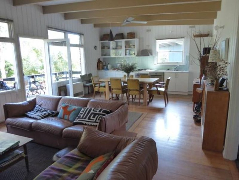 Mimosa beach house, Somers, holiday rental in Bittern