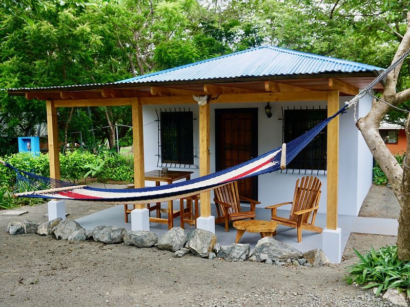 perfect for small families, surfers, yogis and couples!, vakantiewoning in Paraiso
