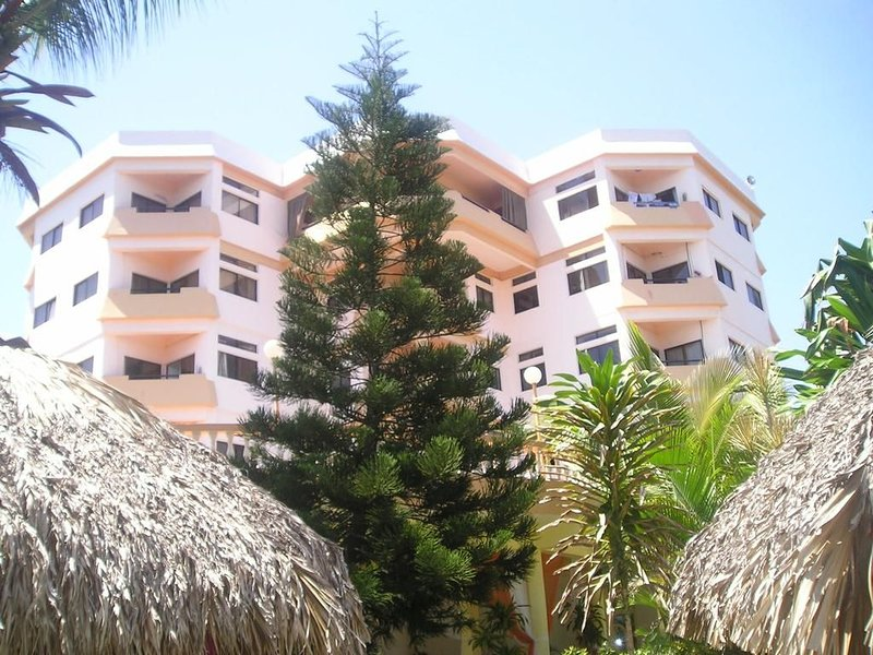OCEANVIEW & OCEAN FRONT 2 Bedroom/1 Bathroom Apartment Fully Furnished, holiday rental in San Cristobal