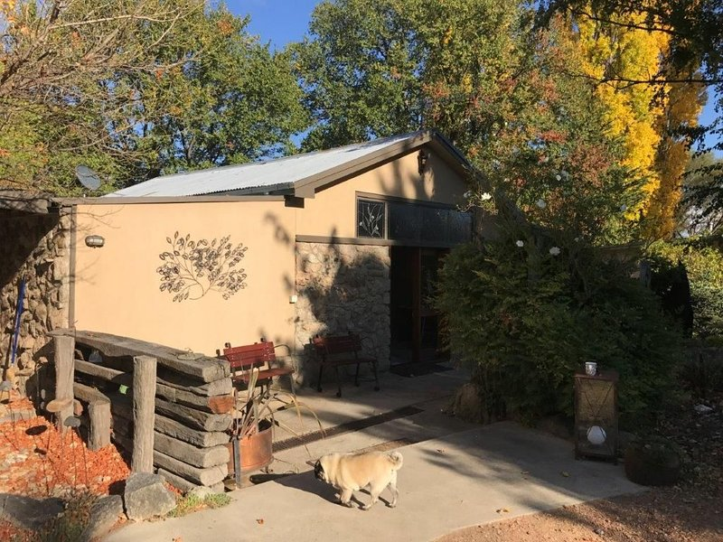 Fully renovated all inclusive holiday home, holiday rental in Cooma