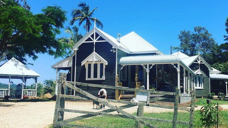 Byron Bay's Heritage Tooraloo Farm Stay, location de vacances à Tyagarah
