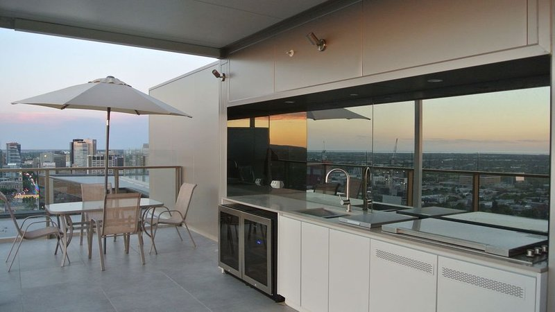 VUE Penthouse on King William, holiday rental in Kent Town