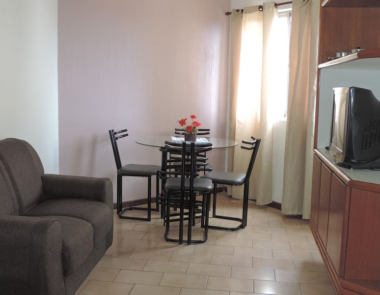 Apartamento Mobiliado - Edf. Cidade de Ituaçu (Próximo ao Centro Histórico), vacation rental in Itaparica