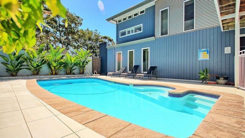 Moona Moona Lookout -  pool - NBN broadband/WiFi - 2 mins walk from beach, holiday rental in Jervis Bay