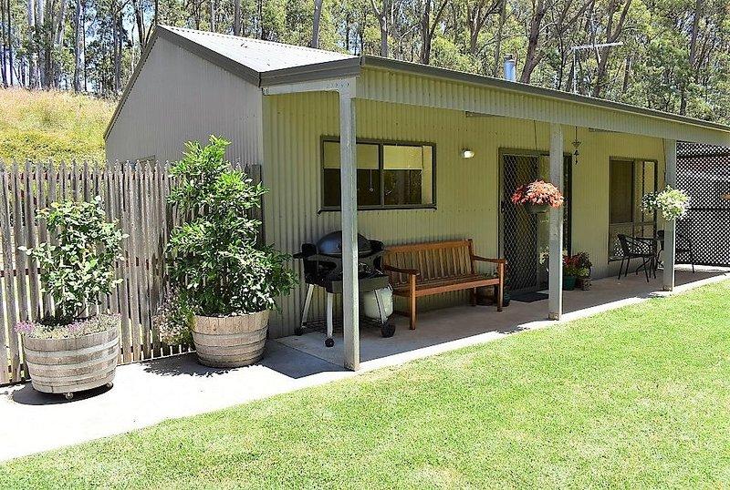 Ninas Cottage Beechworth, holiday rental in Stanley