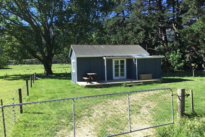 Kenepuru Farm Cottage, vacation rental in Picton