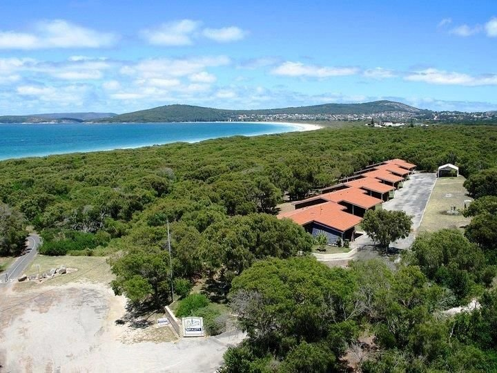 Emu Beach Chalets - Pet Friendly By The Sea, vacation rental in Albany