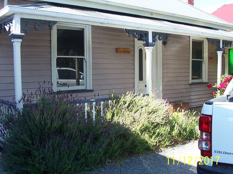 COTTAGE ON KING STREET SANDY BAY, casa vacanza a Greater Hobart