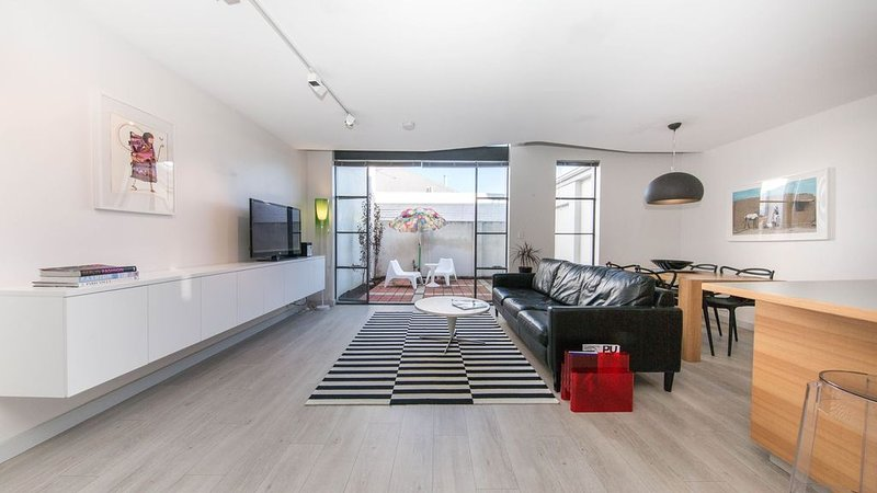 STYLE STAYS - INNER CITY - Free WIFI, vacation rental in North Perth