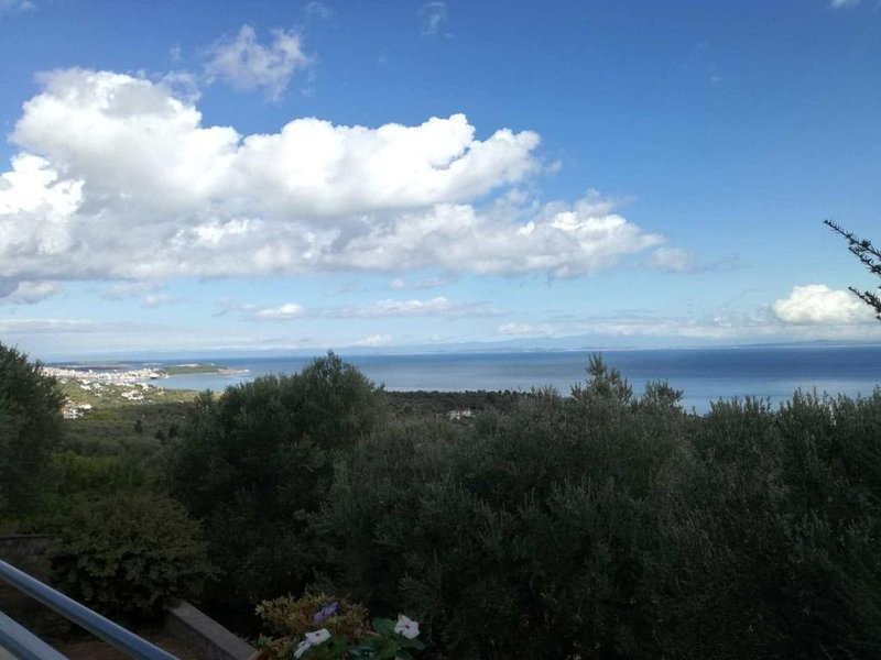 Harmony Villa, Relax and Enjoy the stunning sea view, Ferienwohnung in Varia