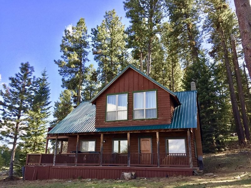 Lakefront Retreat - The perfect cabin to get away, make memories and enjoy Idaho, location de vacances à Cascade