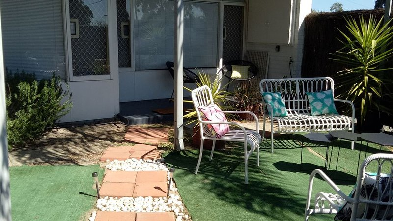 Funky Apartment , Myaree, vacation rental in Melville