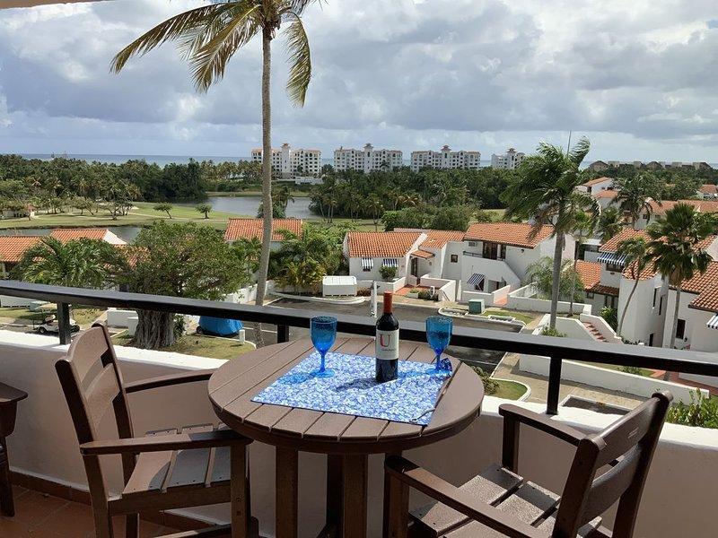 Fabulous 1 Bedroom Ocean View Villa In Rio Mar, alquiler vacacional en Río Grande