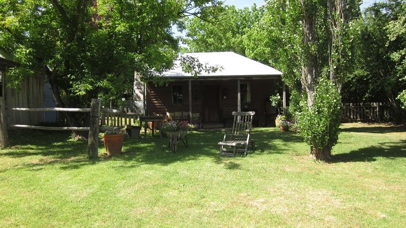 The Settlers Hut - step back in time, alquiler vacacional en Berrima