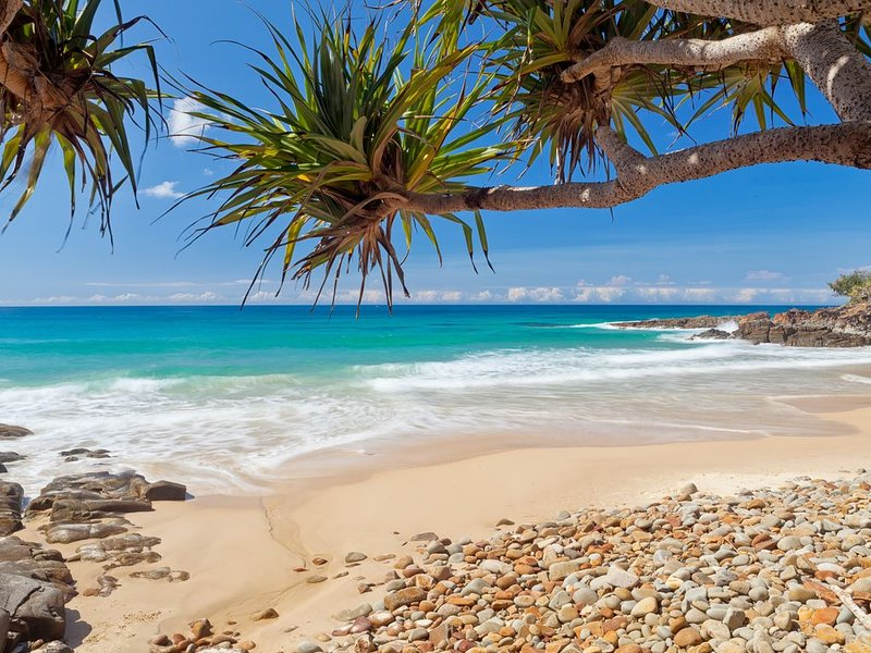 Coolum Classic Beach Shack - Pet Friendly, holiday rental in Marcoola