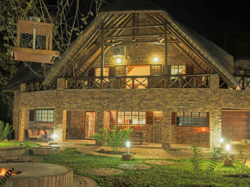 Kruger Riverside Lodge, holiday rental in Komatipoort