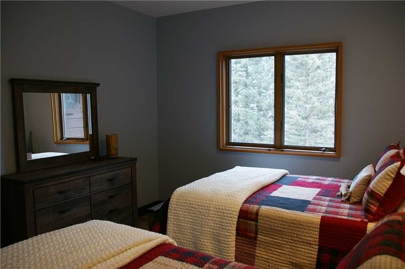 Gorgeous remodeled 2bd / 2ba - San Juan Mountain views - full kitchen - wood bur, holiday rental in Purgatory