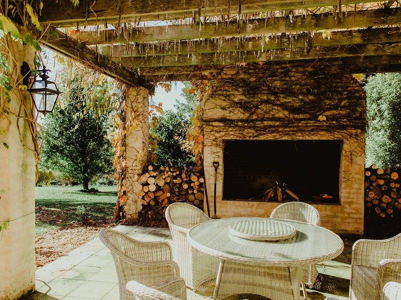 Wisteria Lodge | Mt Wilson | 24 Acres of Established Heritage Botanical Garden, holiday rental in Bilpin