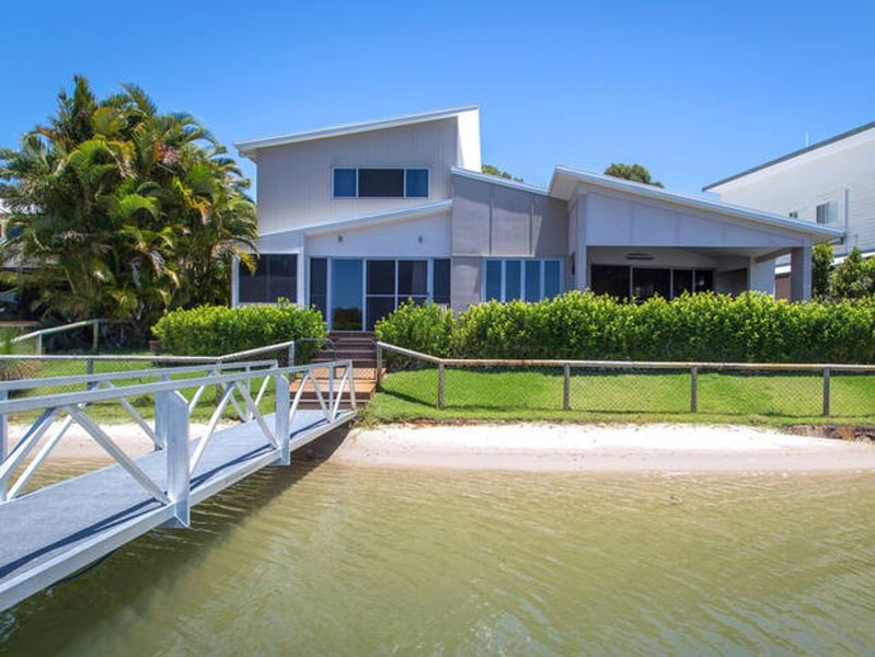 Couran Island Retreat - Luxury Waterfront, holiday rental in Upper Coomera