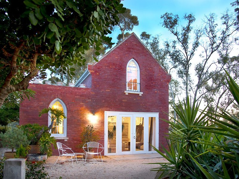 be&be castlemaine - unique, hilltop, retreat, vacation rental in Harcourt
