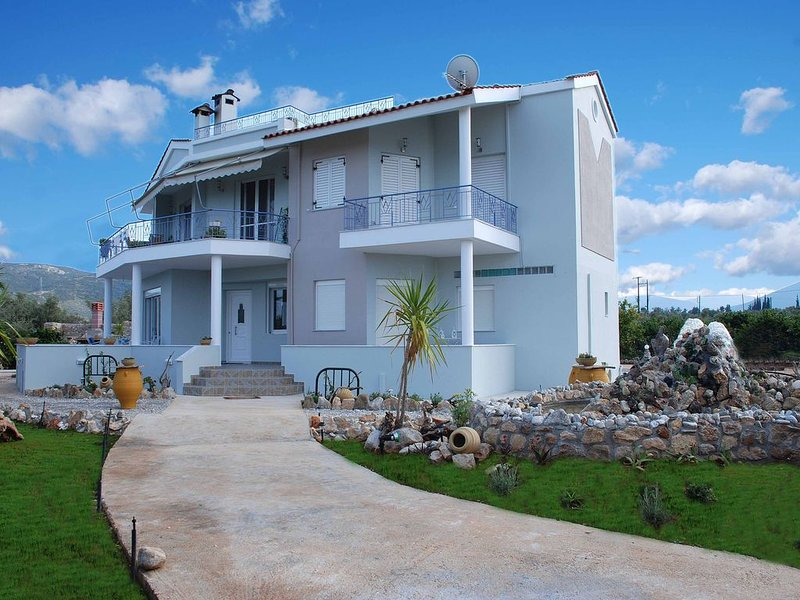 Samantha Paradise Villa, holiday rental in Nea Kios