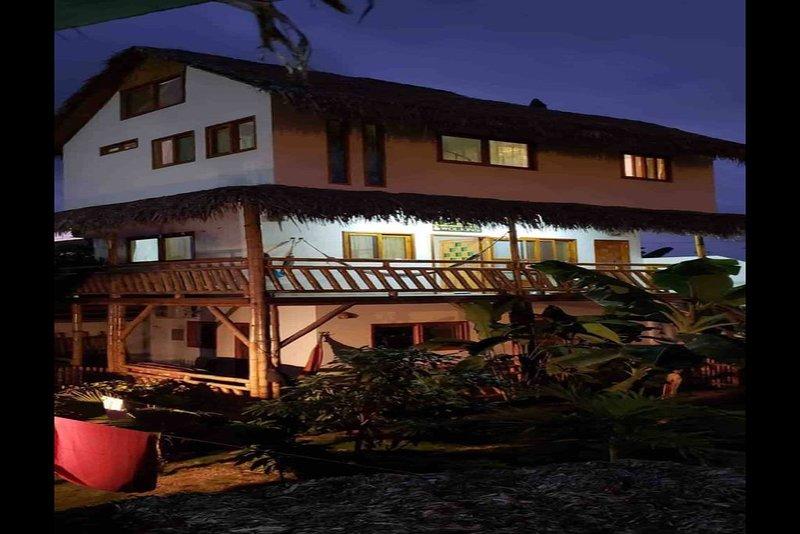 Ground Level STUDIO Apartment, location de vacances à Ayampe