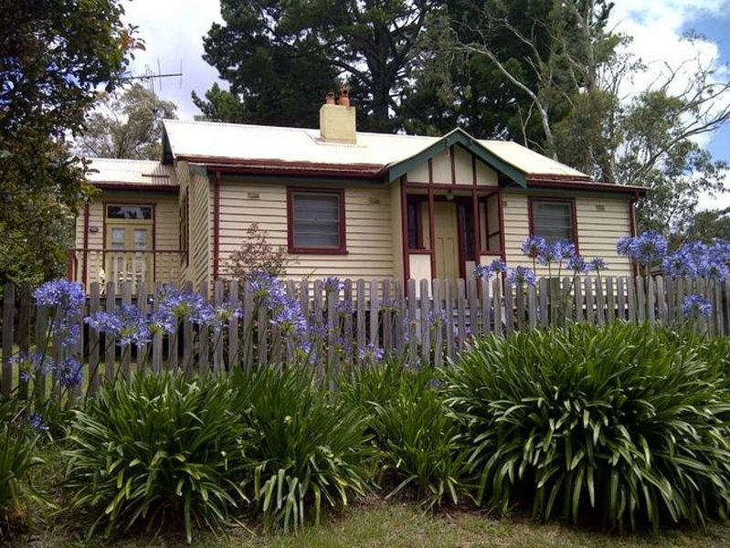 Our Leura Place, Blue Mountains, holiday rental in Leura