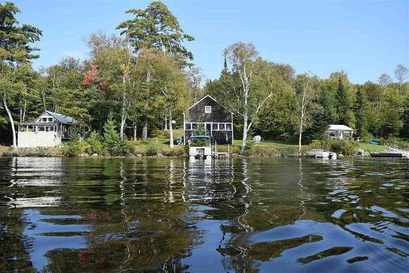 Lakefront home w/ spectacular sunsets, rustic feel, comforts of home, sleeps 6-8, vacation rental in Whitefield