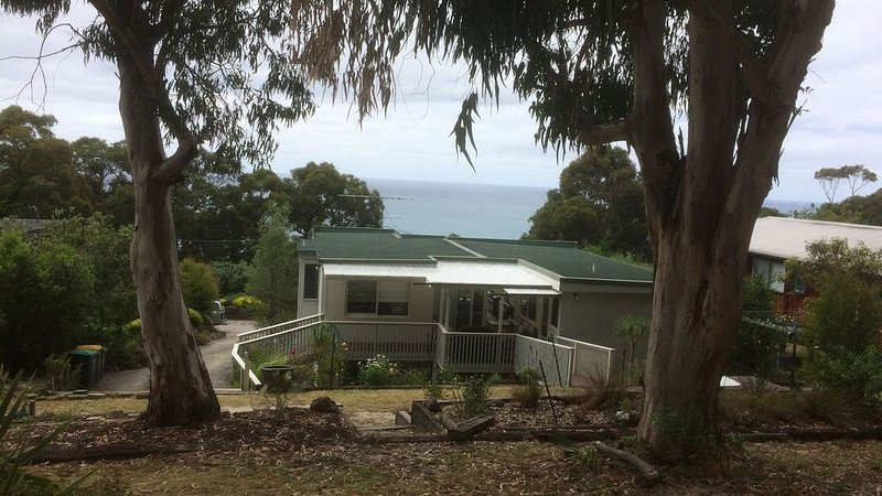 House 83, Holiday House Lorne, holiday rental in Pennyroyal