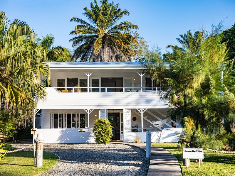 Jamaica Beach House, near the beach. A magical home you will fall in love with!, vacation rental in Port Douglas