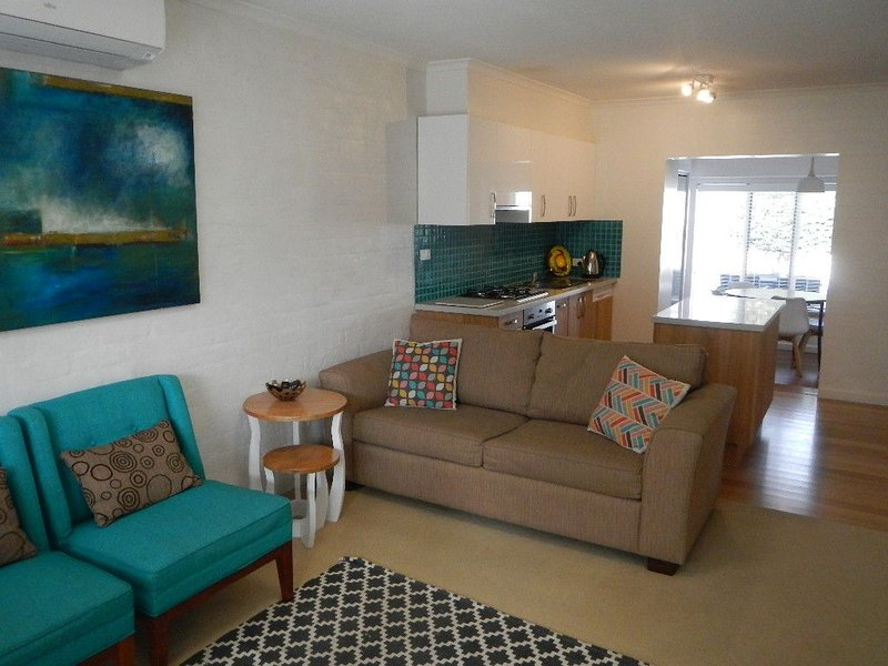 Dare St Beach Apartment, holiday rental in Ocean Grove